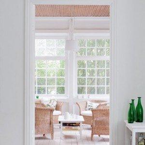 la veranda chiusa da grandi vetrate
