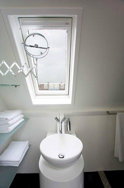 Interni Di Design Quasi Spaziale : Un mini appartamento di design in affitto — designandmore