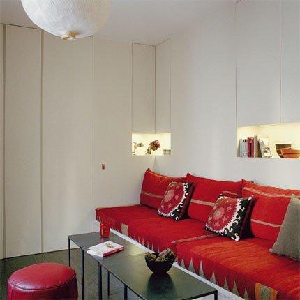 Un mini appartamento in appena 18 mq designandmore - Foderare un divano da soli ...