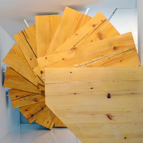 Wooden-staircase-in-Split-Flat-by-QC_dezeen_3sq